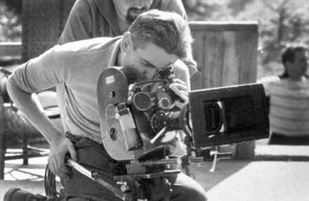 "Raoul Coutard, behind the Caméflex, on the shooting of ""Jules et Jim"""