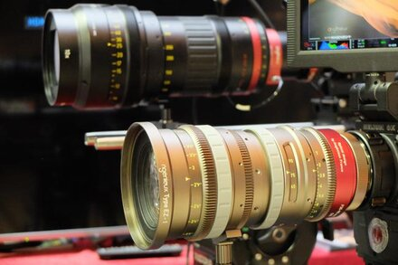 Angénieux presents at Camerimage the Optimo 44-440 A2S and the Angenieux Type EZ series